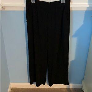 Black wide leg dress pants, front and back pockets
